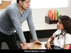 Brunette having hot hardcore fuck in the classroom