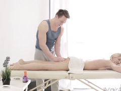 Handsome massagist got pleased with hot hardcore fuck