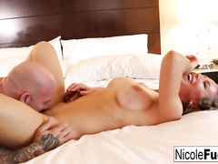 Hot bubble butt blonde Nicole Aniston loved cunnilingus and hardcore fuck