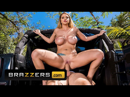 Big and sweet boobed blonde Brooklyn Chase loves passionate hardcore fuck outdoors